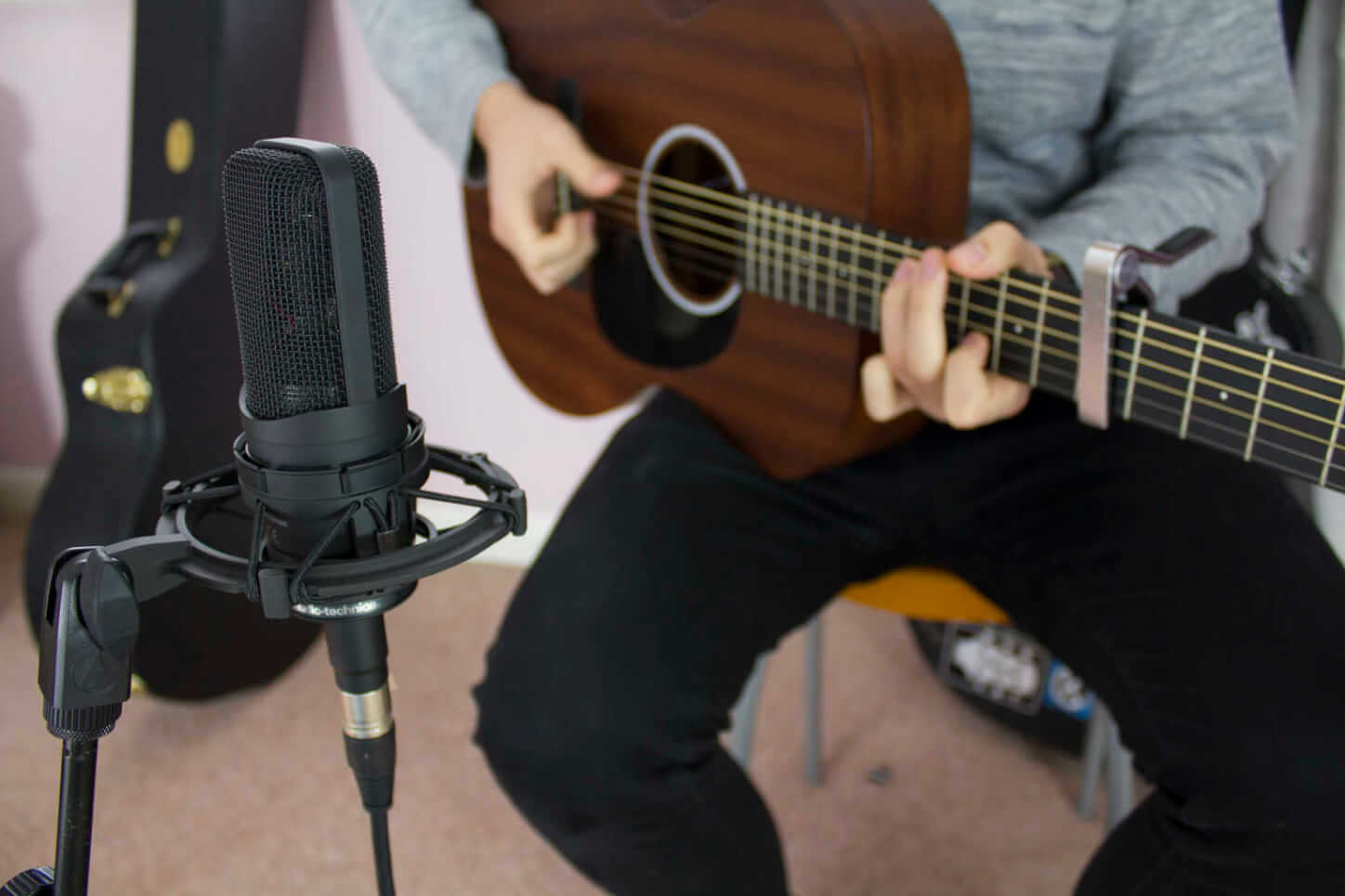 5 Essential Tips For Recording Acoustic Guitar - Audient
